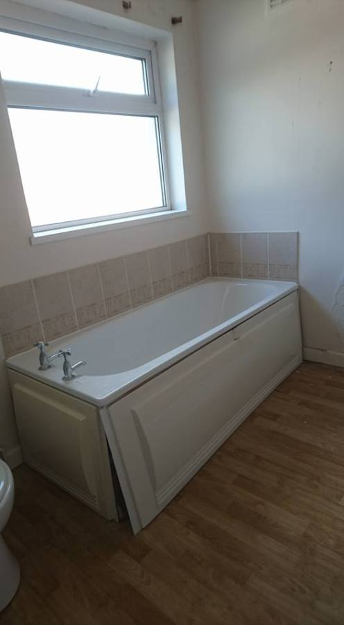 New shower, screen, vanity toilet, basin and free standing bath 4
