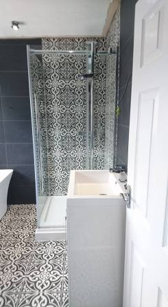 New shower, screen, vanity toilet, basin and free standing bath 5