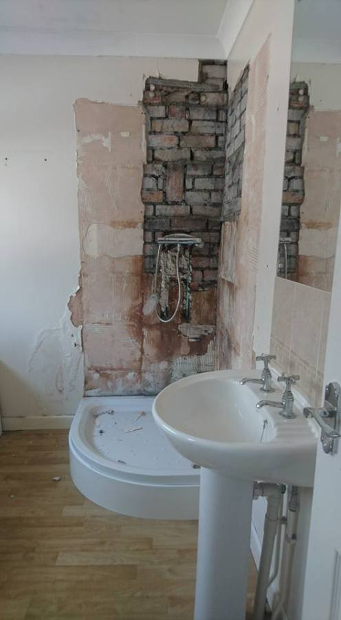 New shower, screen, vanity toilet, basin and free standing bath 6