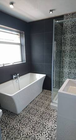 New shower, screen, vanity toilet, basin and free standing bath 7